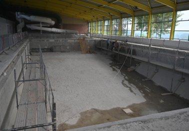 Ecuires: la piscine en plein chantier