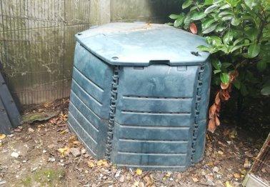 Feuilles mortes, dernières tontes des pelouses, pensez au compostage